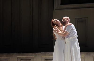 Magdalena jako Penelopa v Théâtre des Champs-Elysées