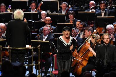 Prom 48: Magdalena, London Symphony Orchestra a Simon Rattle